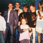 Fraţii Adam în stânga, Simon, Cristi, Iulia în dreapta