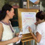 """Marlene Schanz şi dr. Cristina Murgociu semnează în """"tabloul de oaspeţi"""""""